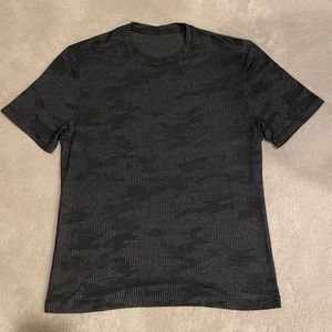 Lululemon Black Camo Short Sleeves